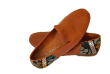Load image into Gallery viewer, Leather Smoking Slipper w/ Textile Accent