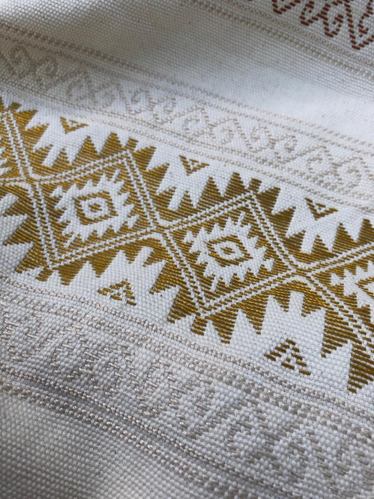 White Gold Table Runner Teysha