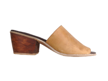 Load image into Gallery viewer, Frida Camel Heel
