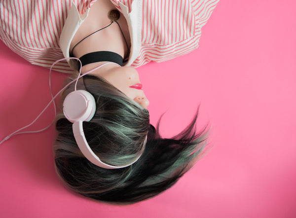 LISTEN UP: Six Podcasts to Help Motivate Your Mornings