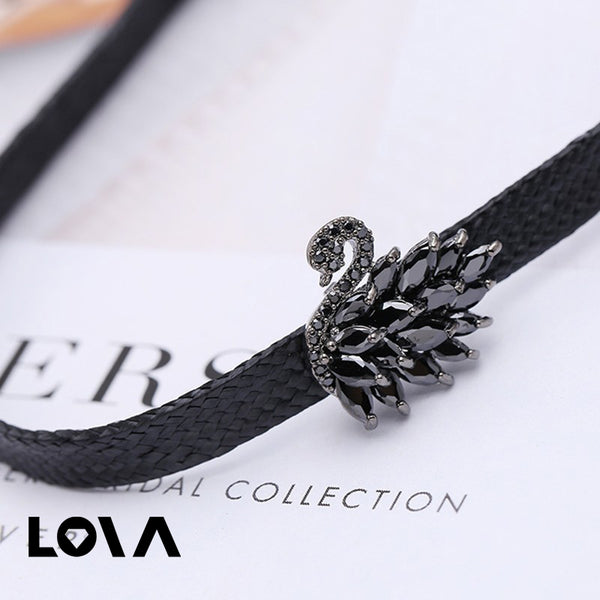 Ornaments Clavicle Black Swan Short Fund Neck Jewelry Bring Leather Chain Necklace - Lova