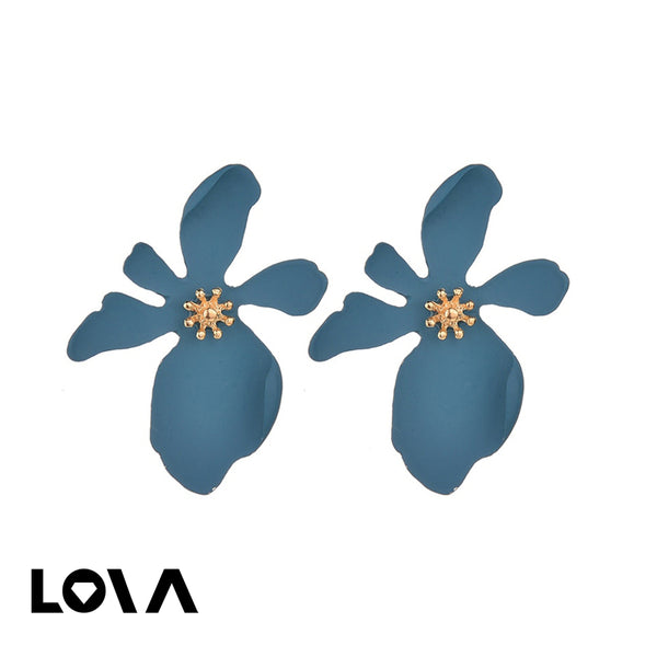Women's 1 Pair Studs Retro Stylish Flower Design Earrings - Lova