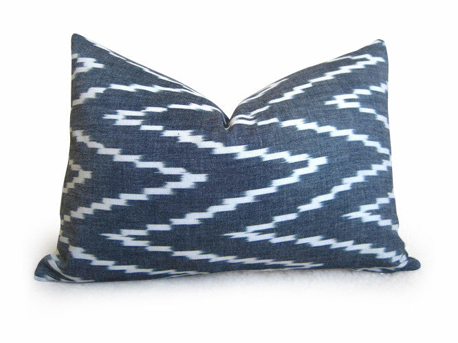 Kasari Pillow Cover - Graphite