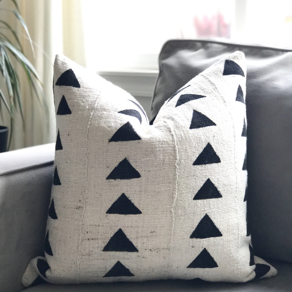 LIMITED 021 - Triangle Mudcloth Pillow Cover - Cream