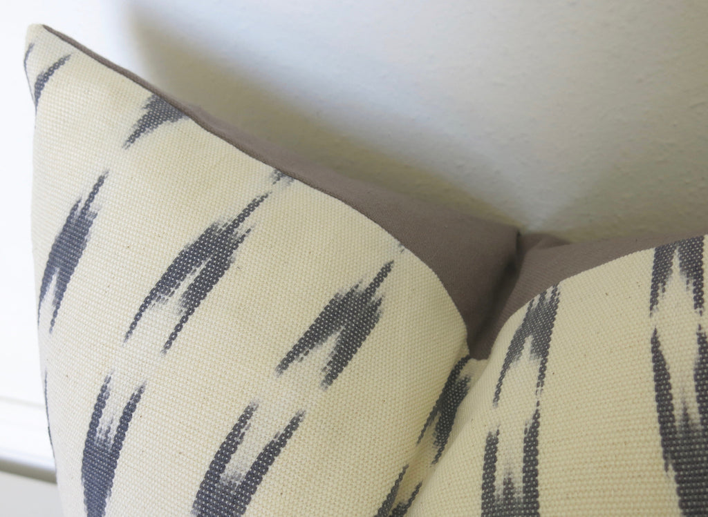 LIMITED 020 - Guatemalan Ikat Pillow Cover - Gray