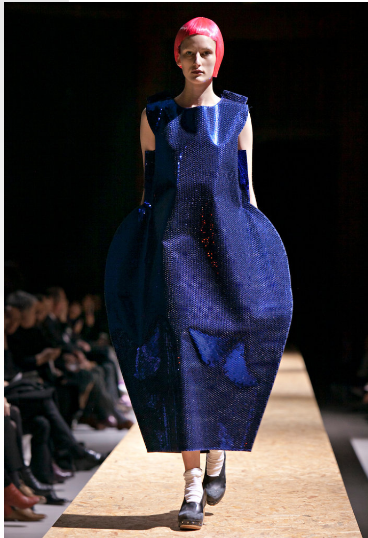 COMME des GARCONS blue sequin dress runway