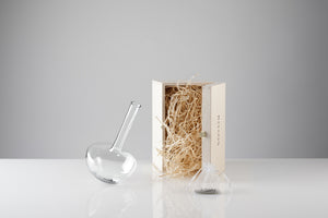 GAUGE vase (Single stem), with presentation box - Photograph by John R Ward