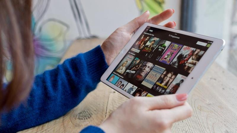 Comment charger un film sur iPad reconditionné ?