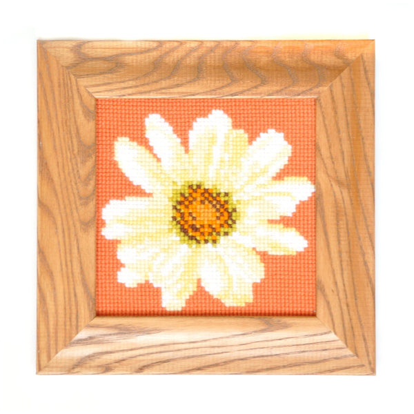 Daisy Mini Kit Needlepoint Kit Elizabeth Bradley Design