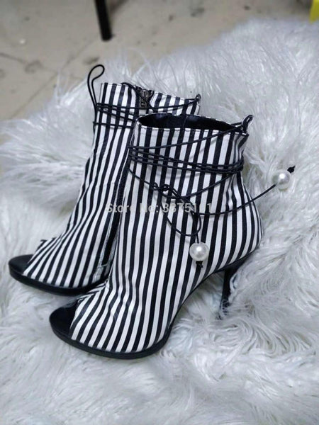 Ankle Bootie White & Black