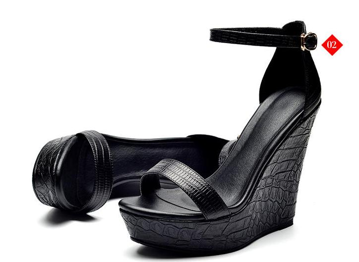 Knish's Wedge Sandals