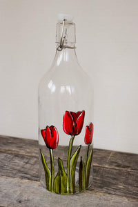 Carafe d'eau en verre design 3 tulipes rouges