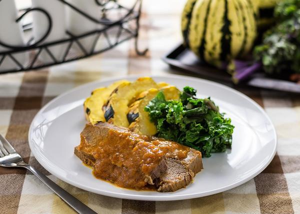 Braised Beef in Pink Peppercorn Gravy served with Broccoli, Cauliflower and Carrots
