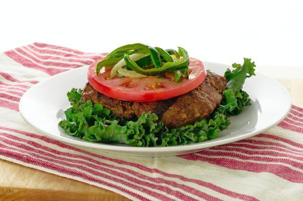 Keto-friendly Beef Burger with Keto-friendly Vegetables