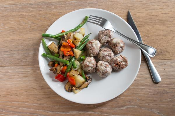 Beef Meatballs in Mustard Sauce with Organic Vegetables -  True Fare