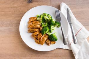 Buffalo Chicken with Organic Broccoli and Bell Peppers - Keto Individual Meals Pre-Made Paleo