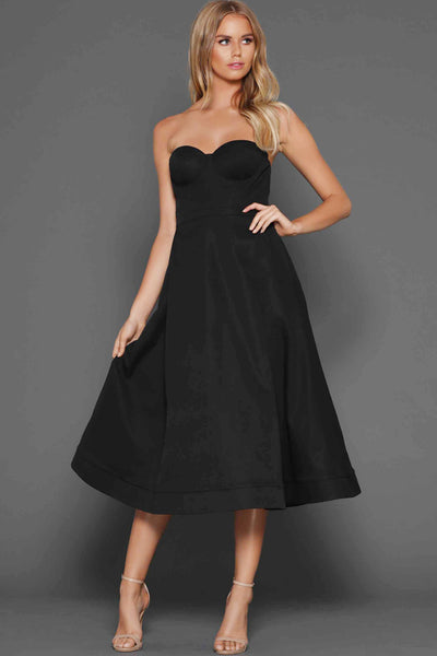 Tara dress in black by Elle Zeitoune