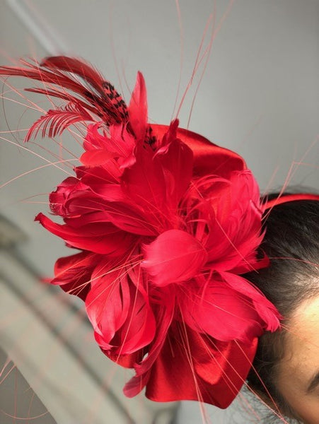 Rent fascinators in Toronto from The Fitzroy