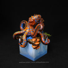 Load image into Gallery viewer, ON THE PROWL - Octopus sculpture with unique cube plinth