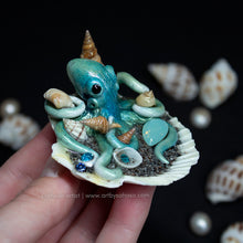 Load image into Gallery viewer, PACIFIC BLUE - Shelltopus - Octopus Sculpture