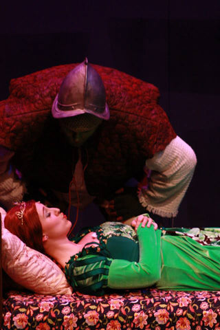 Jusin Lynn as Shrek and Emily Kight as Princess Fiona