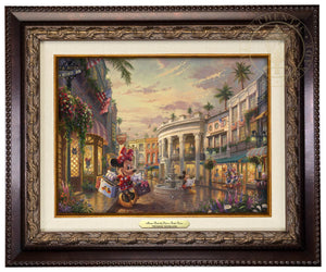 Minnie knows that a day full of shopping on Rodeo Drive isn't complete without the perfect ensemble - Aged Bronze Frame.