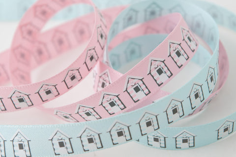 Berisfords Vintage Ribbon - Beach Hut (Natural Charms) 13694