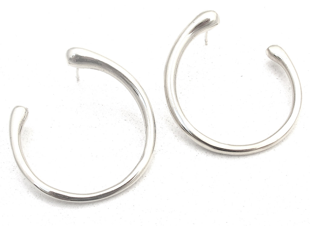 Fluid silver earrings