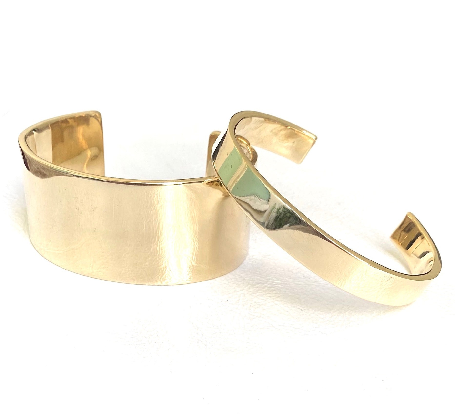 Wide cuffs, bronze +more options