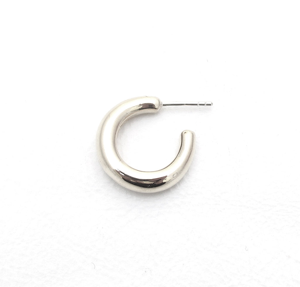 Pebble demi hoop, silver