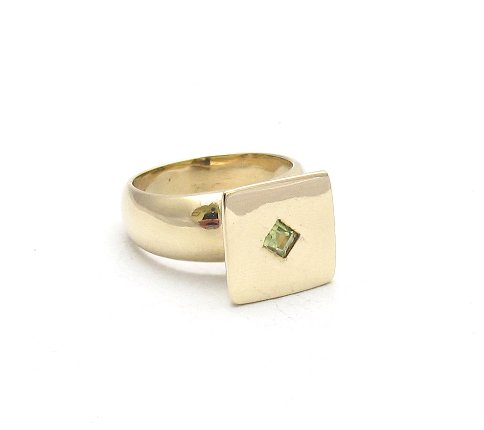 Elevated Square Signet, peridot