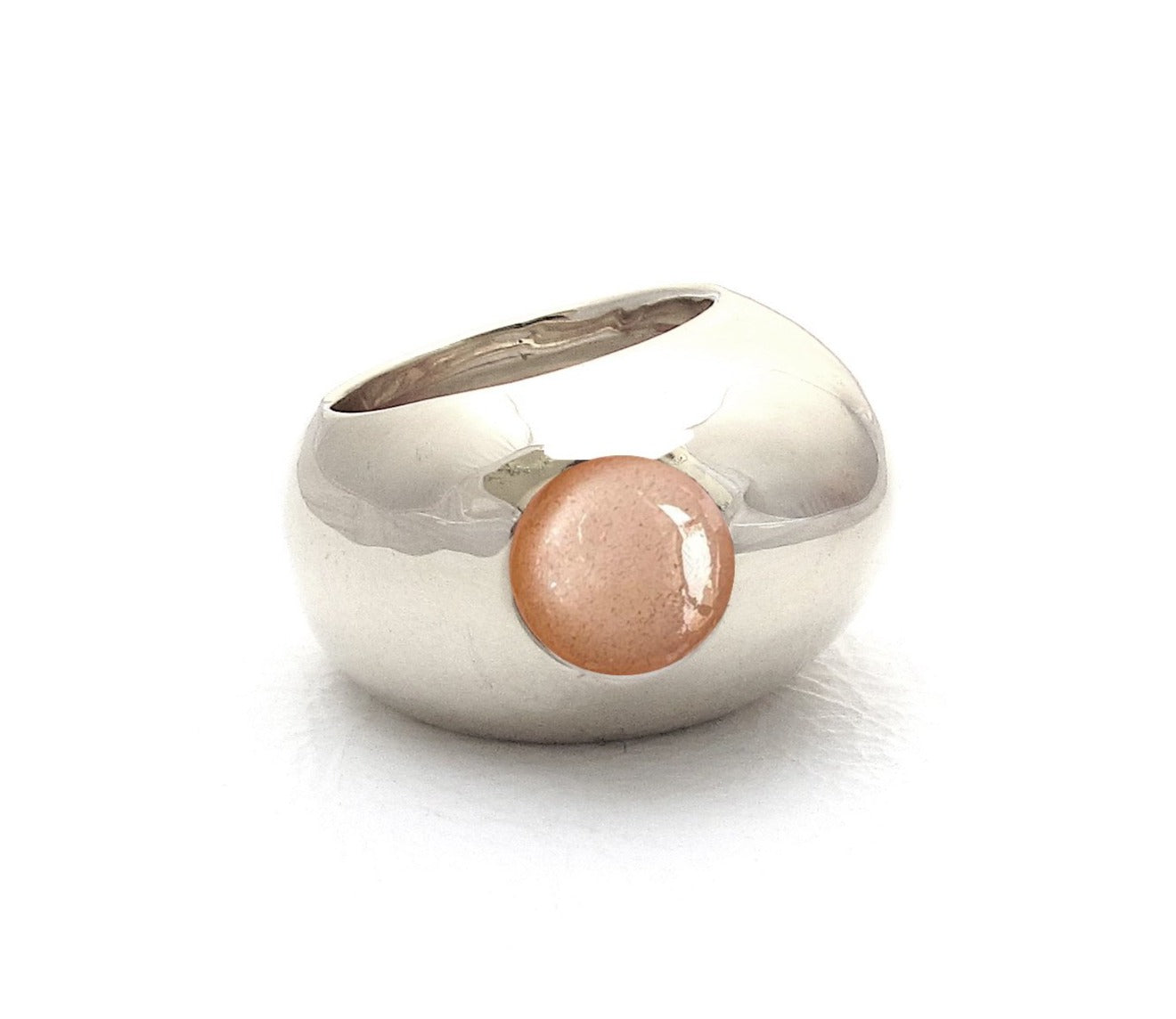 Pebble, Peach Moonstone
