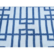 "Load image into Gallery viewer, 3'1""x5'4"" Geometric Design Hand-Woven Reversible Kilim Flat Weave Rug FWR192186"