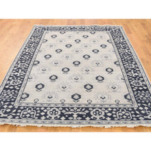 Load image into Gallery viewer, 5'1''x7'1'' Hand-Knotted Turkish Knot Oushak Ivory Pure Wool Oriental Rug FWR231168