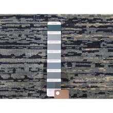 "Load image into Gallery viewer, 2'x2'2"" Pure Wool Abstract Design Hand-Knotted Oriental Sample Rug FWR266814"