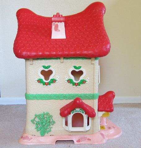 Berry Happy Home dollhouse with trellis and bay window