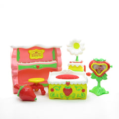 Berry Fancy Fun Room furniture for Happy Home dollhouse