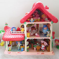 Strawberry Shortcake dolls in the Berry Happy Home dollhouse