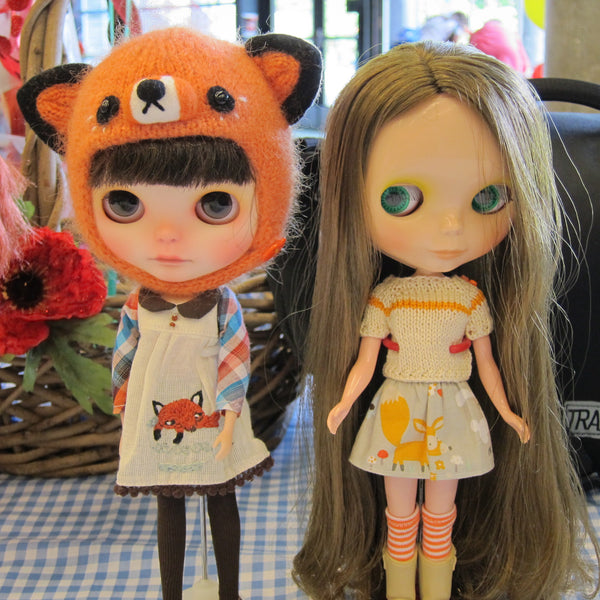 Blythe-dolls-in-fox-dress-fox-hat-fox-skirt