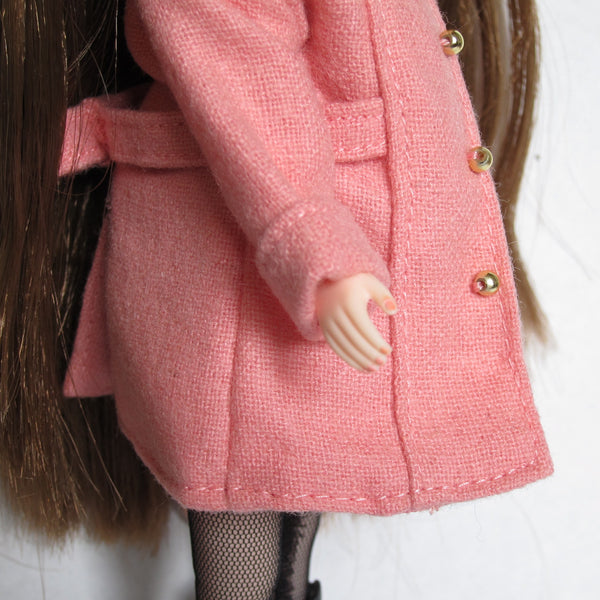 Blythe Raspberry Sorbet doll with pink fingernail polish