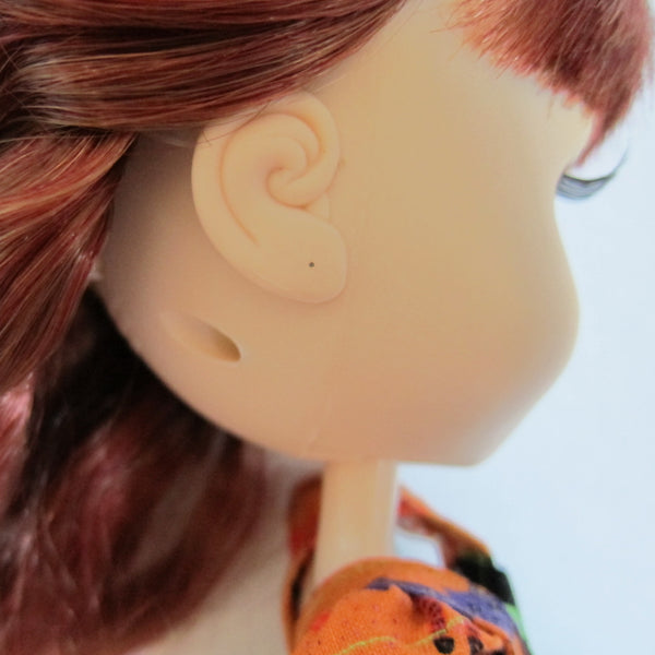 Pullip doll with pencil marked ear hole