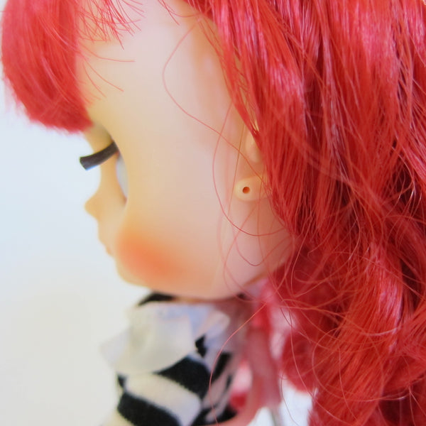 Middie blythe doll with pierced ears