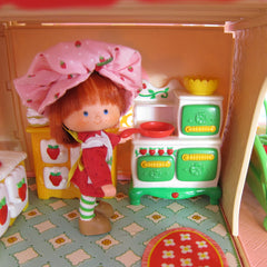 Berry Cozy Kitchen from Strawberry Shortcake Berry Happy Home Dollhouse