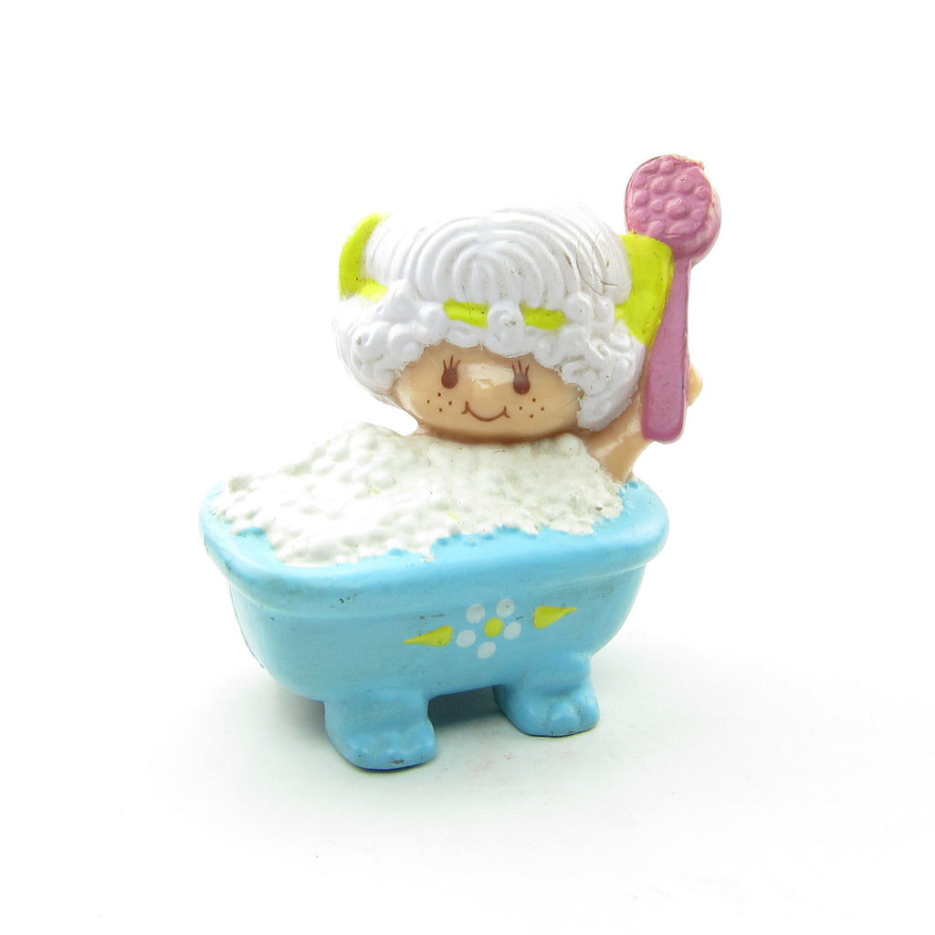 Angel Cake Taking a Bubble Bath Strawberry Shortcake Figurine