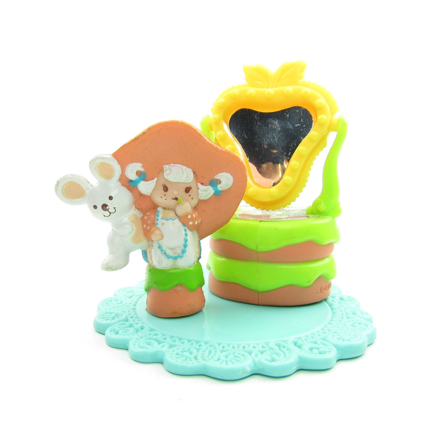 Apricot & Hopsalot Play at the Vanity miniature figurine set