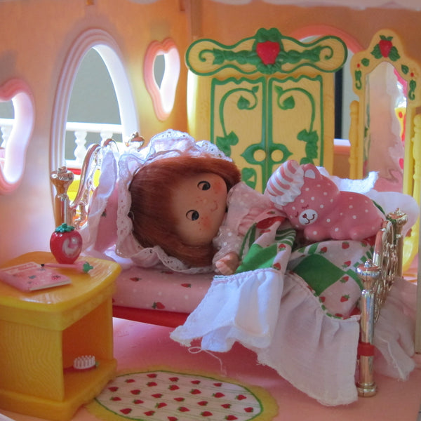 Bed Bedspread Amp Pillow For Strawberry Shortcake Berry