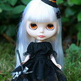 Black short sleeved lace trimmed blouse for Blythe or Pullip
