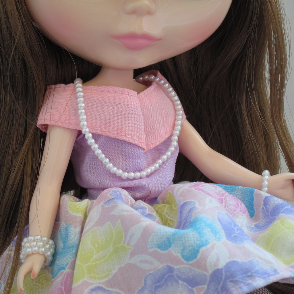 Pearl Necklace for Blythe & Pullip Dolls Long Strand of Faux Plastic Pearls, Doll Jewelry