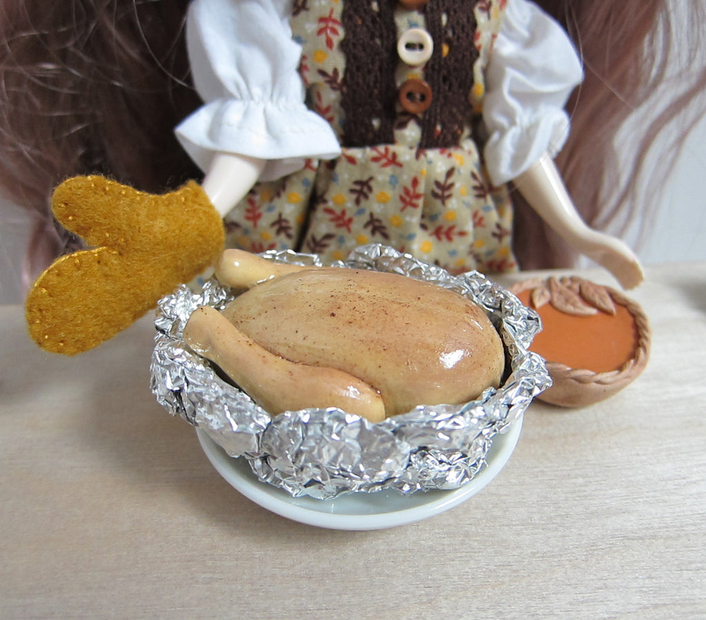 Miniature Roast Turkey for Blythe, Playscale Dolls or Dollhouse Thanksgiving or Christmas Dinner
