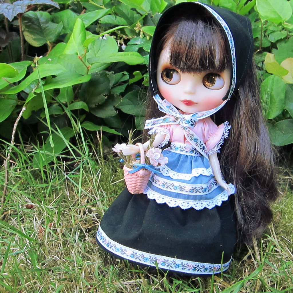Meadow Maiden Blythe Doll Folk Dress Outfit